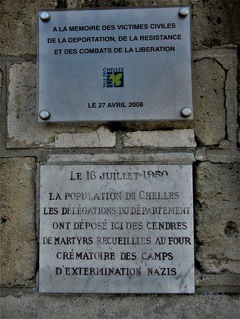 Monument aux Morts de Chelles: Plaques à l'arrière du monument