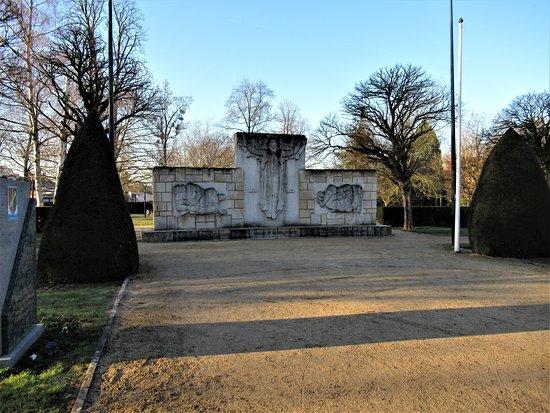 Monument aux Morts de Chelles