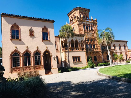 Ringling College Galleries and Exhibitions