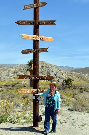 San Andreas Fault Sunset & Stargazing Jeep Tour from Palm Desert: Crossroads On San Andres Fault
