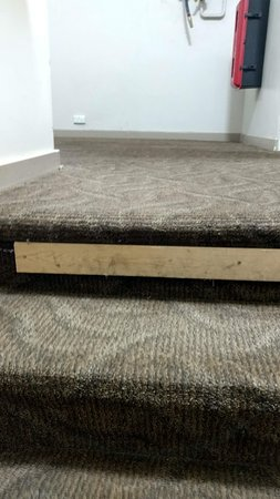Creative carpet fixing