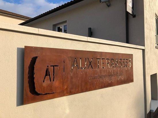 aux terrasses tournus restaurantbeoordelingen tripadvisor. Black Bedroom Furniture Sets. Home Design Ideas