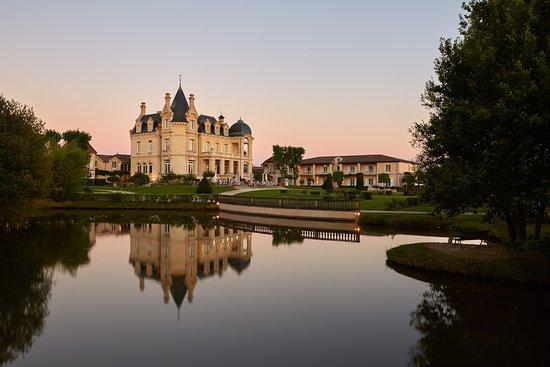 Château Grand Barrail Hôtel