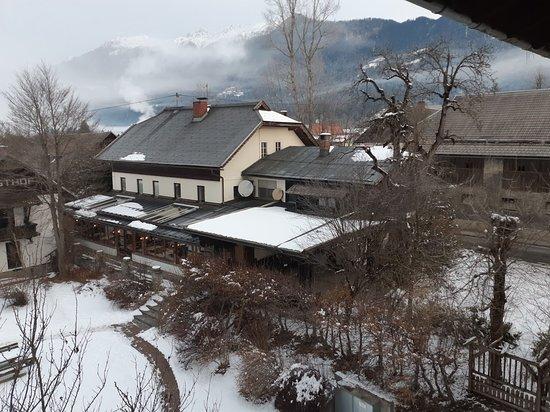 Gundersheim, Ausztria: View to the restaurant