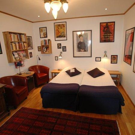 bc91b514 Fantastisk kuriosa-hotell med toalett dekorert med grønne planter utenfor  rom 101 - Anmeldelse av Hotell Gastis, Varberg - TripAdvisor