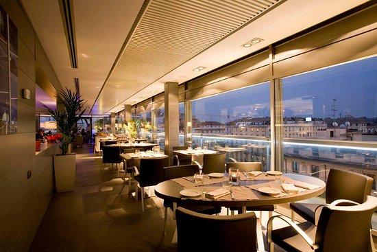 Wonderful Aperitivo And Views Review Of Globe Milan