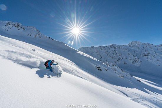 Oxygene Ski & Snowboard School Megeve