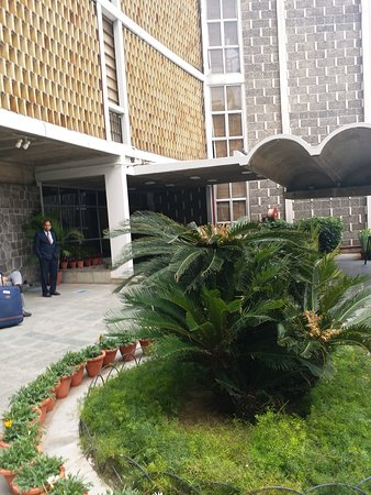 Another picture of the beautiful outside of the guest house of the main building of India International Centre. Governor Amolak Rattan Kohli