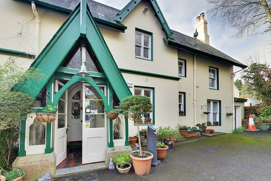 Yoga Retreat Extraordinaire Review Of Robin Hill Guesthouse Cobh Tripadvisor