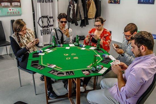 Henigma: Une soirée Poker
