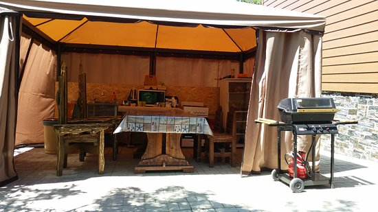 Altai: Летняя кухня для самостоятельной готовки.