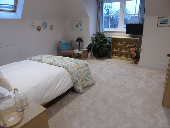 Camellia (top floor double room) with private bathroom