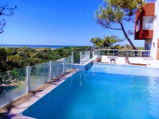 Jaina Resort & Spa: vista desde la pileta exterior