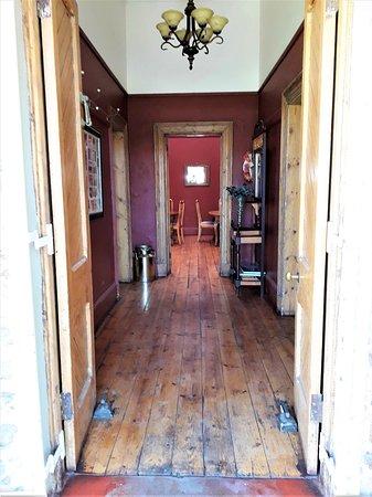 Griekwastad, Dél-Afrika: L'ingresso della casa ristorante Proviand