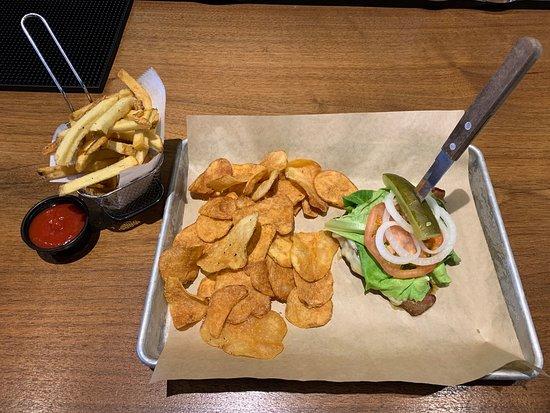 Lewistown, PA: Shy burger without bun (trying to minimize gluten)