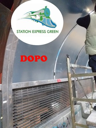 Province of Naples, Italie : Station express green