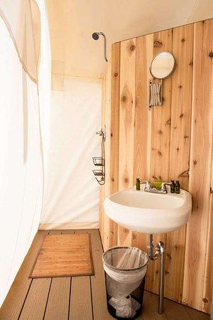 Under Canvas Zion: bathroom