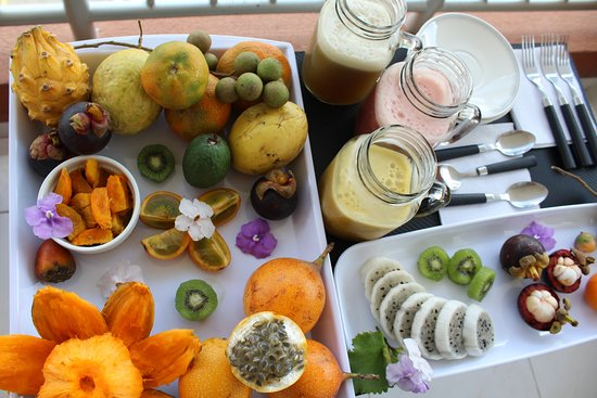 I am Colombiano: Taste the different variety of fruits that we have in our country.