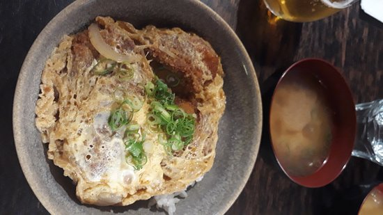 Tanoshi Teppan and Sake Bar: Pork Katsudon