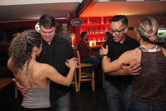 Tur til de beste Salsa klubbene i...