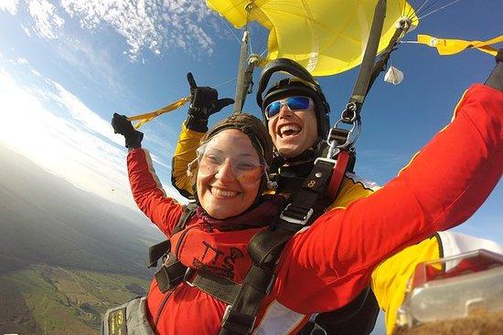 9000ft Tandem Skydiving i Taupo