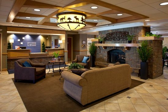 Fort Wainwright, AK: Lobby