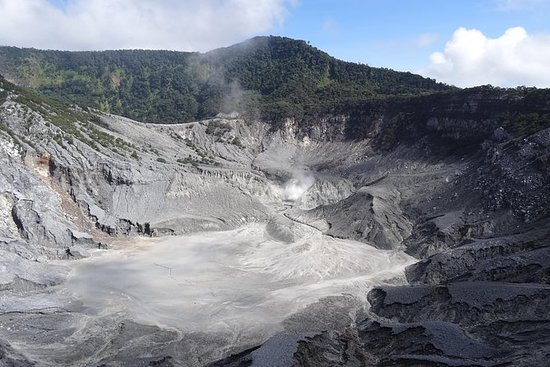 Private Tour : Full-Day of Bandung...