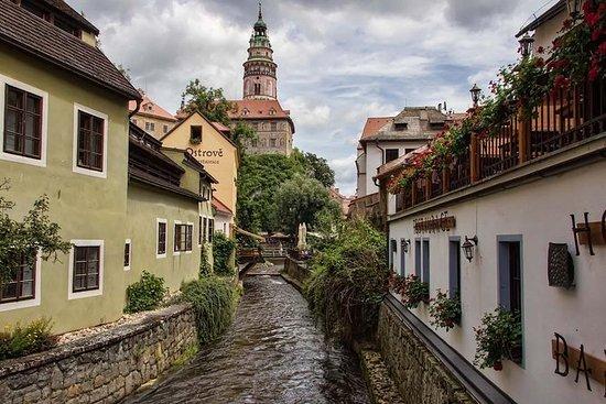 Private transfer Prague-Linz with...