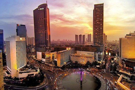 Private Tour : Full-day Jakarta...