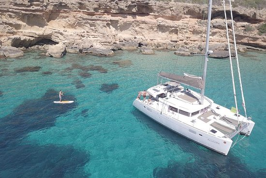 DAG charter Catamaran på Formentera
