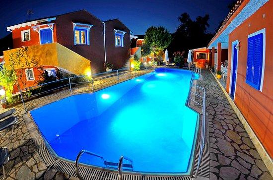 Vlicho, Greece: Poolside