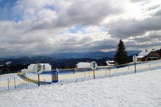 Sirnitz, Austria: Skischule in unmittelbarer Nähe