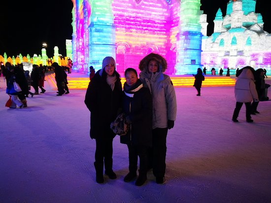 Harbin Private Tour Guide: Samantha Song with her clients are  from Australia, they just book our english-speaking private tour via website, and I show there hotel on time, and took them go to Harbin ice and snow world Feb 16 2019