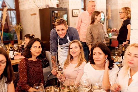 Varvara Cafe: Шеф  Александр Ермаков с гостями