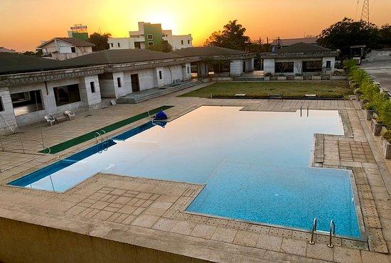 Pool - Picture of Vivaant Retreat & Conventions, Igatpuri - Tripadvisor