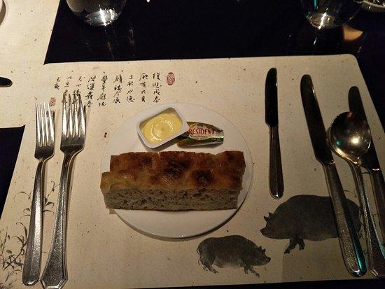 Palais de Chine Hotel: 想不到,台北市火車站,這裡有間5星級飯店裡面的,牛🍖好好吃,好吃到飽。  價格便宜,CP 😆值破標。   環境優美,好吃,交通又方便。  我推薦大家一起來吃,給5星👌