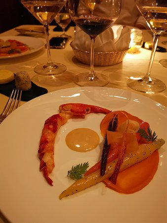 Island Shangri-La Hong Kong: Brittany lobster.