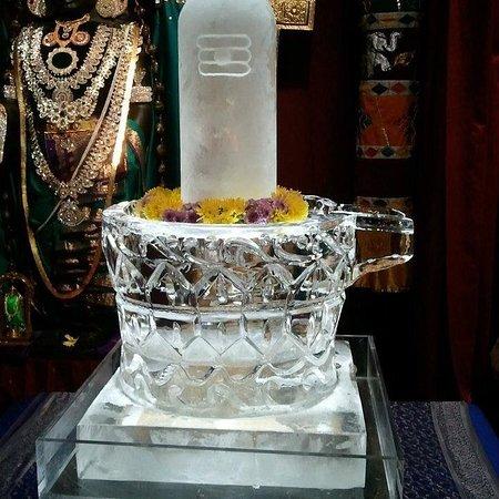 อิสสาควาห์, วอชิงตัน: Ice Shiva Linga from previous years Maha Shivaratri