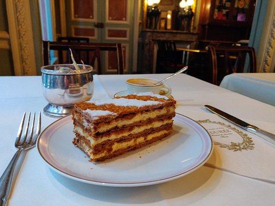 Laduree Paris Le Bar, ปารีส - รีวิวร้านอาหาร - Tripadvisor