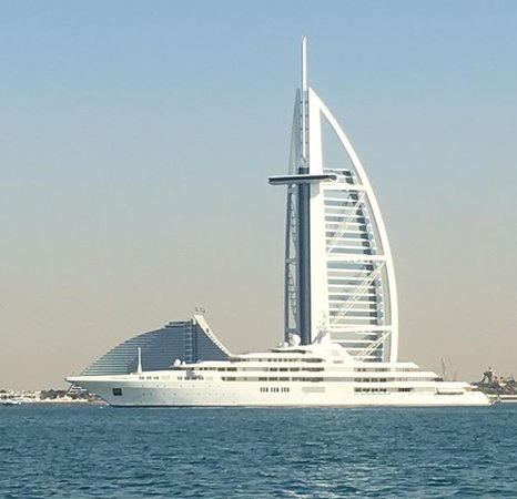 Dubai Yachts Rental