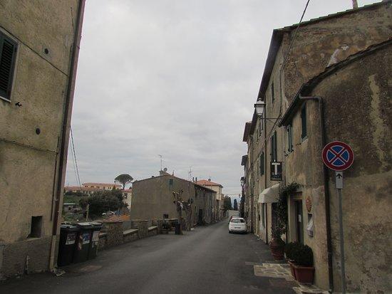 Vetulonia, Italy:  Borgo Antico