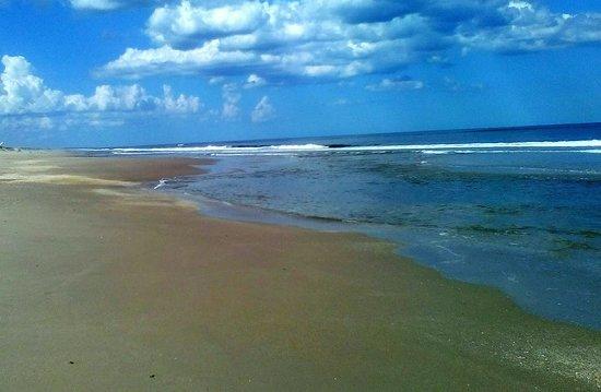 Département de Rocha, Uruguay: Si te gusta la naturaleza, la tranquilidad, y estar rodeado  de mucha paz y silencio....te recomiendo para tus próximas vacaciones te des una vuelta por LA ESMERALDA playa que se encuentra en el departamento de Rocha URUGUAY / si te interesa planificar tu próxima estadía para el verano del año próximo Comunicate conmigo te garantizo un lugar que aún nadie conoce! Próximamente viviré en esta joya de nuestro país y podrás disfrutar de un lugar lleno de poesía, arte, y mucha paz!