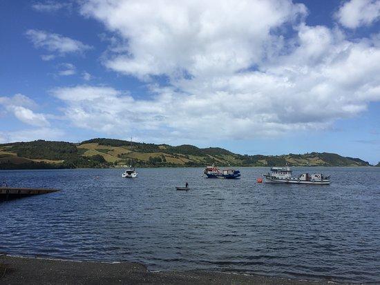 Isla Quinchao, Chili: Fondeados en Quehui