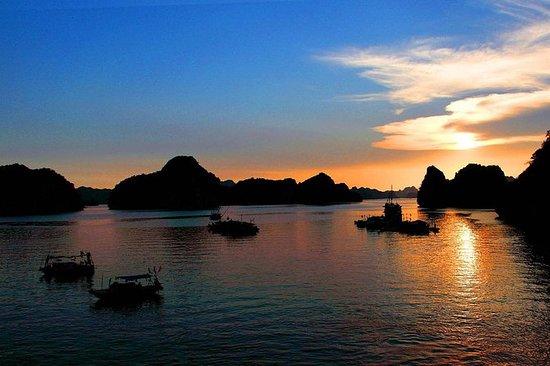 Übernachtung in der Bai Tu Long- und...