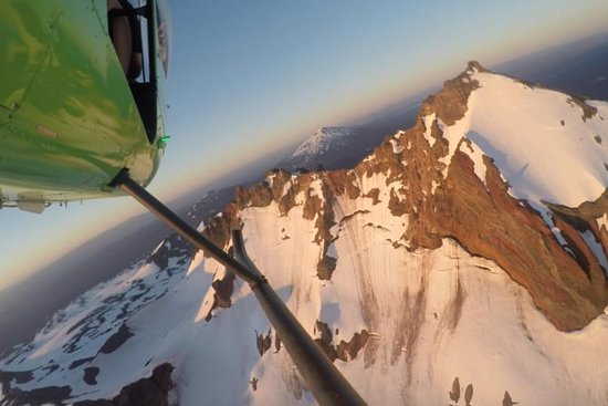 弯,俄勒冈小瀑布火直升机之旅