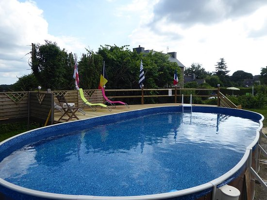 Webb's of Glomel - The new heated pool which is available in the summer months.
