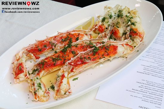 WHOLE GRILLED KING CRAB LEGS - Picture of Eat Me Restaurant