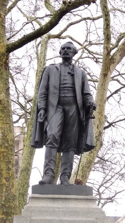 Lord Lawrence Statue