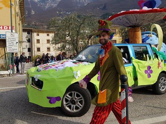 אסנצה, איטליה: 🇩🇪 💖Fröhliche Karneval👑Fasching 🇺🇸 Good carnival to everyone 🇮🇹 Buon carnevale