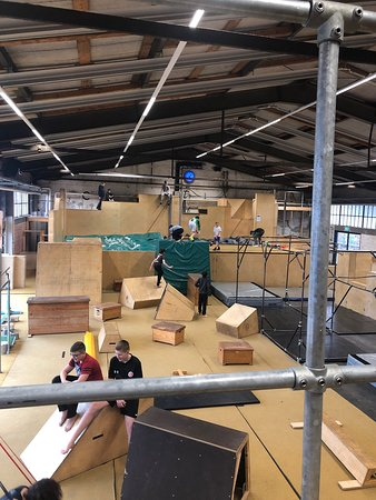 DIE HALLE - Parkour Creation Center Oberhafen